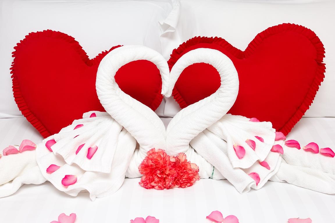 كيف تجعلين غرفة نومك رومانسية ؟! Dup8z