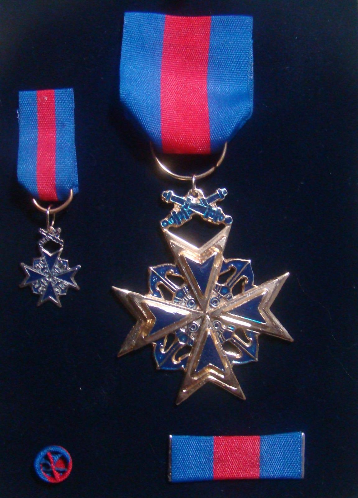 Condecoraciones y Medalla Navales Riuesi