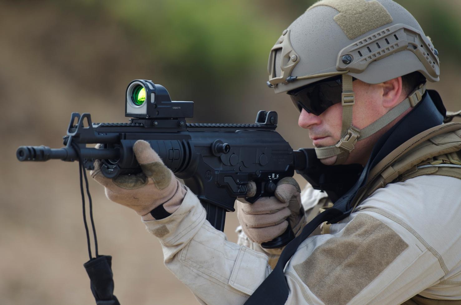 POLICIA - Armas de cargo de PF - Página 2 Rsv7t3