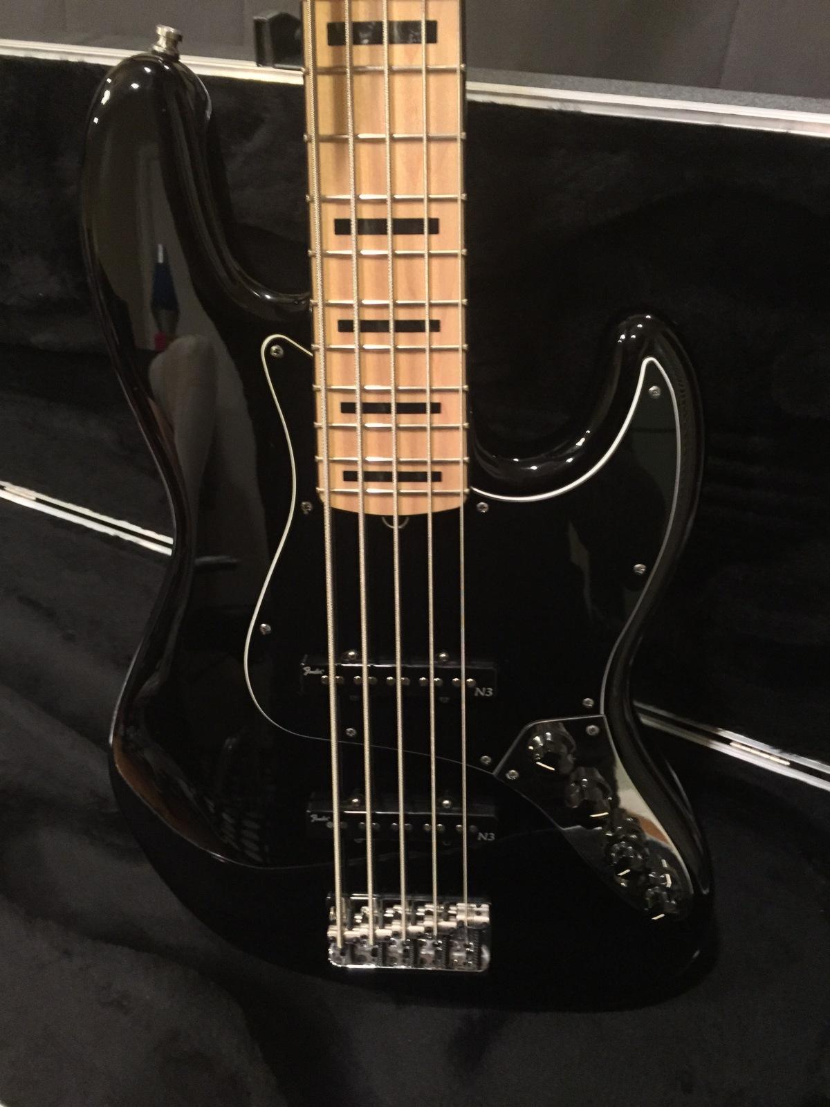Fender JB AM Deluxe - Alinhamento corda G Sfcxza
