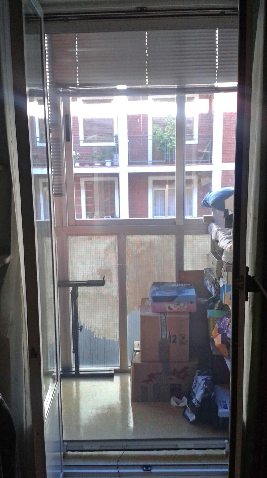 redes - Mosquiteras y redes para las ventanas y cómo proteger a nuestros gatos - Página 9 Wmlf77