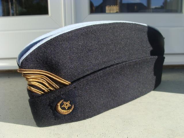 Les bonnets de police - Page 4 X59zf6