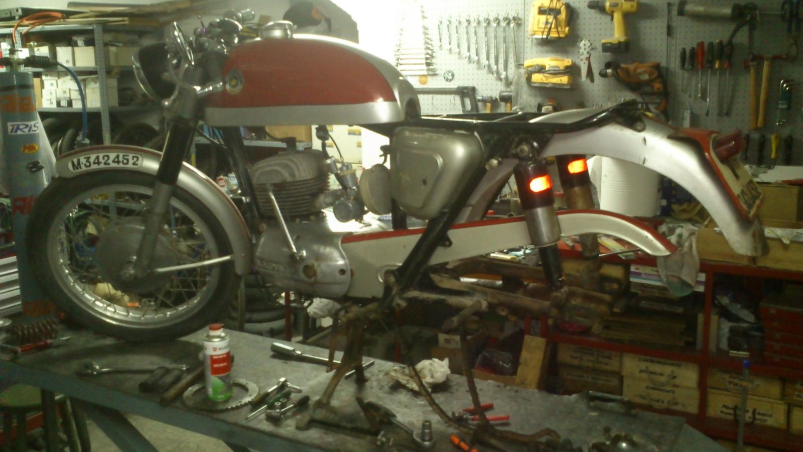 De vuelta a la carretera: Bultaco Tralla 102 1z3qly0