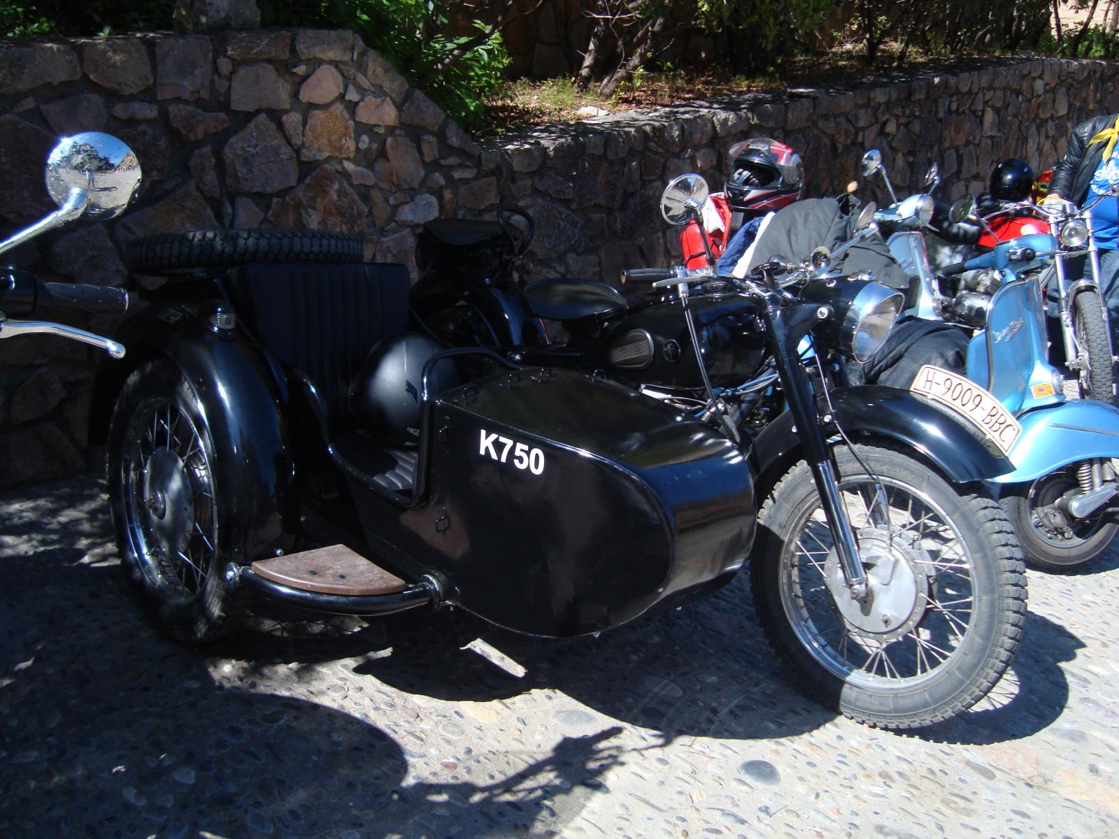 XI concentracion de motos antiguas en Alberuela de tubo (Huesca) 1zz13pl