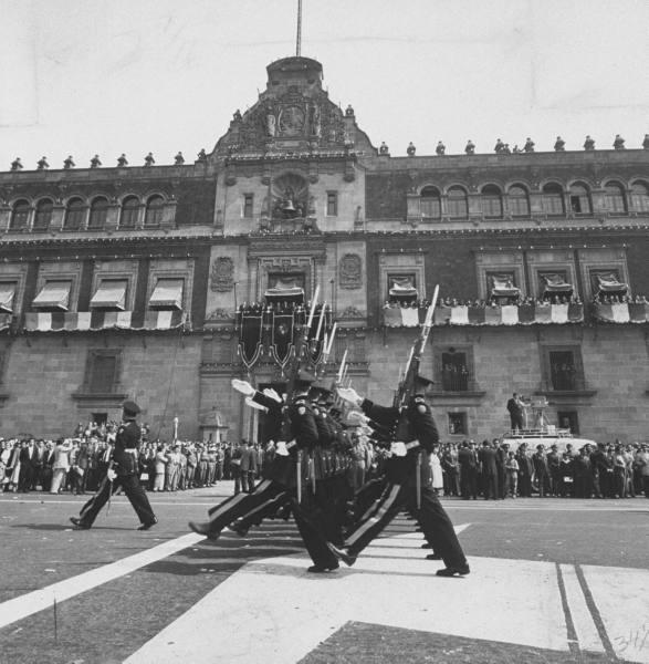 fotos vintage de las Fuerzas armadas mexicanas - Página 4 20h8t1c