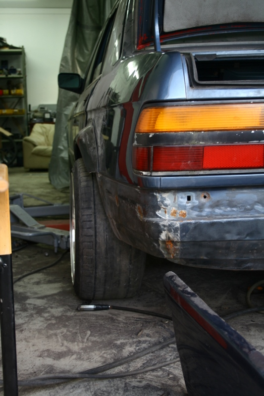 Börre: Bmw e28 Rebuilding // KalsongBlå Saab 29yqliw