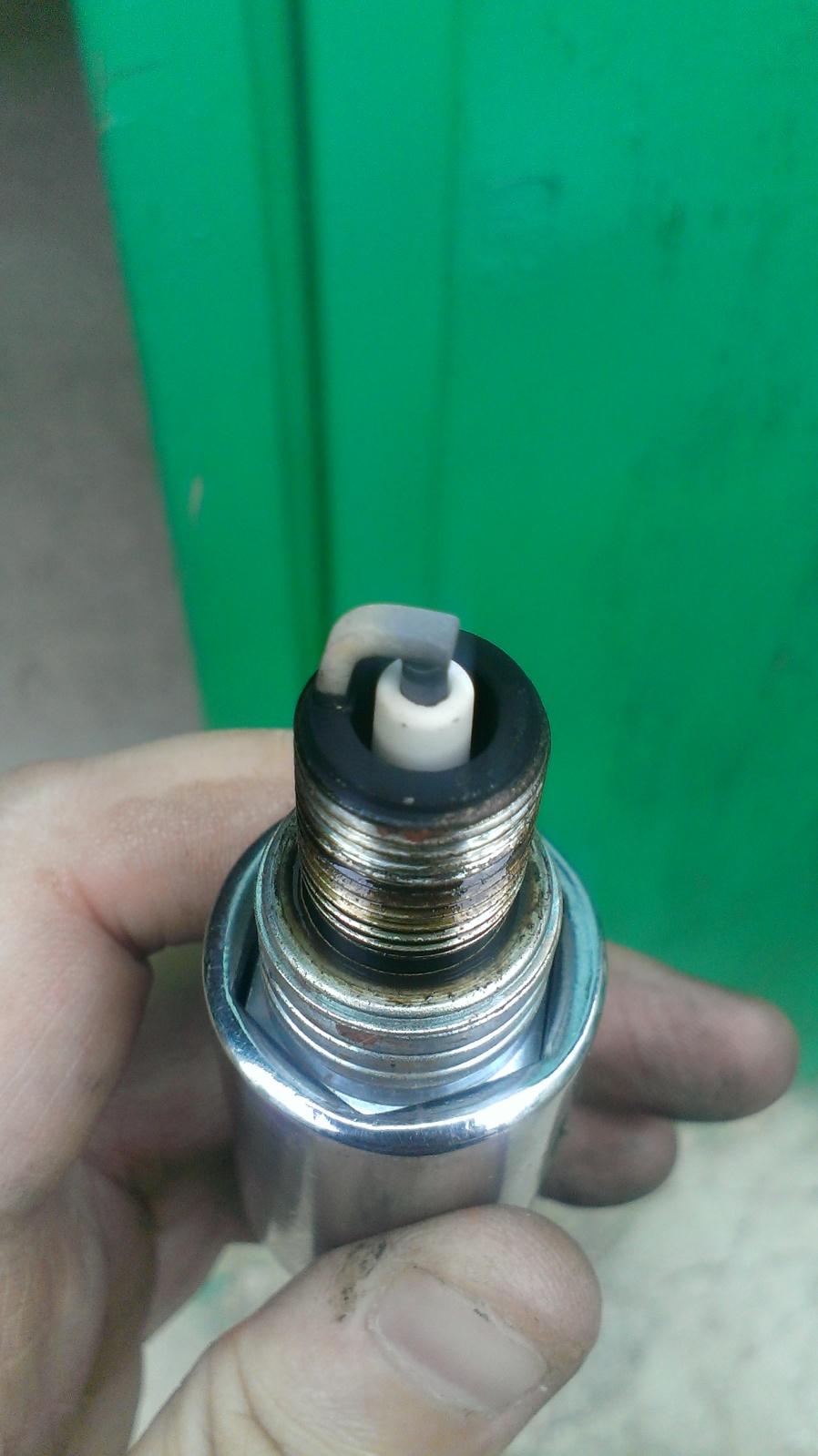 Limpieza del motor facil y nuevo aceite ( recomendado para niva 1600/1700) 2cs7xjp