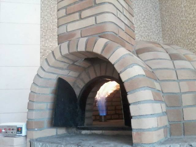 Qual o tamanho ideal do forno a lenha??? 2dj5oj6