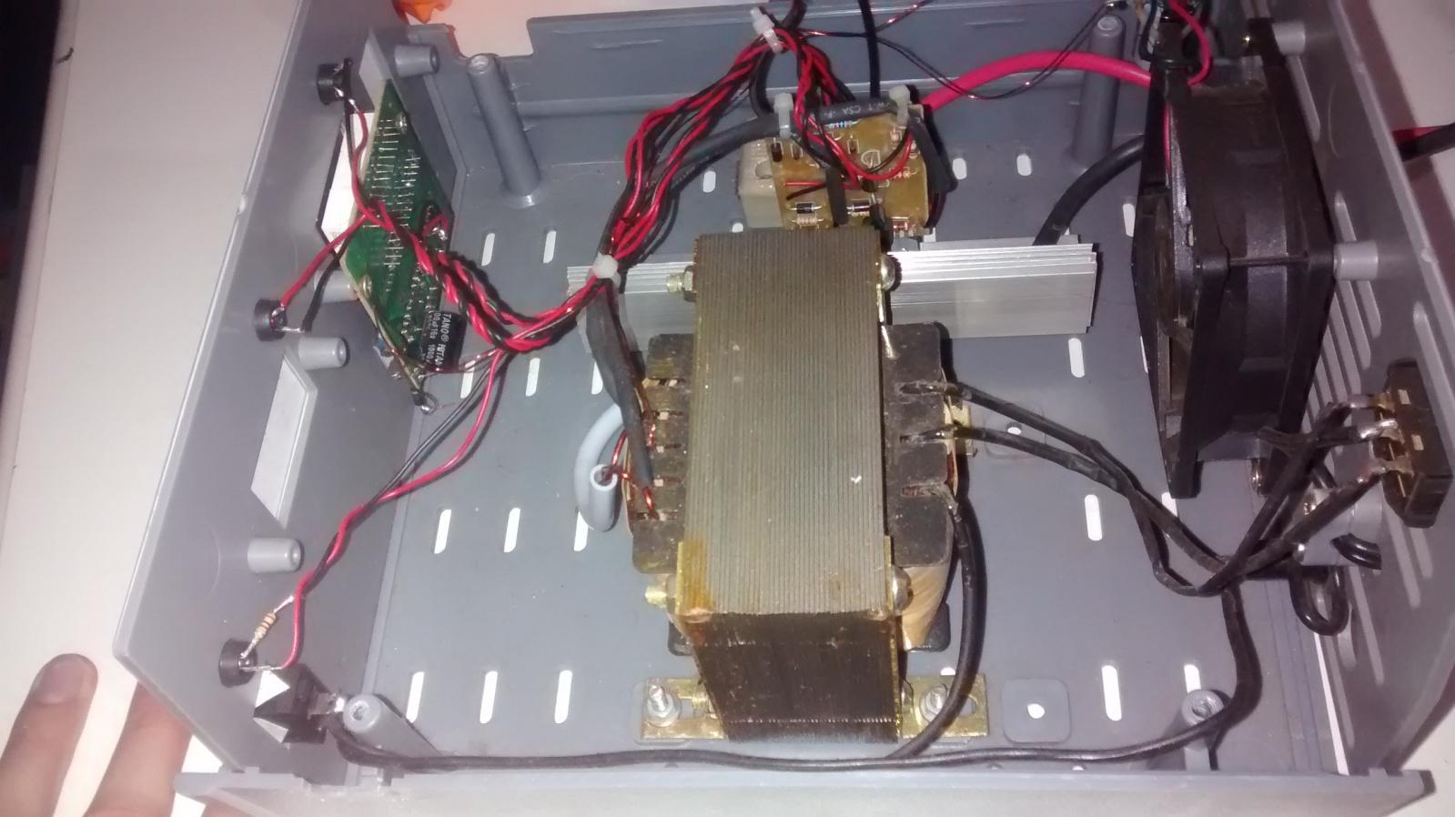 Ajuda com Carregador de baterias flutuador, com mosfet 2hn6wzk
