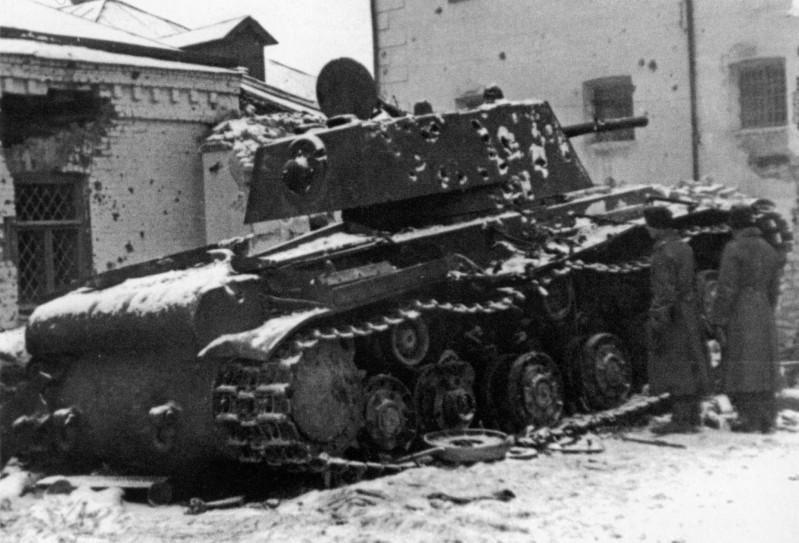 """КВ-1 """"27 ноября 1941 года г. Венев""""(Звезда 1/35) 2iggbcw"""