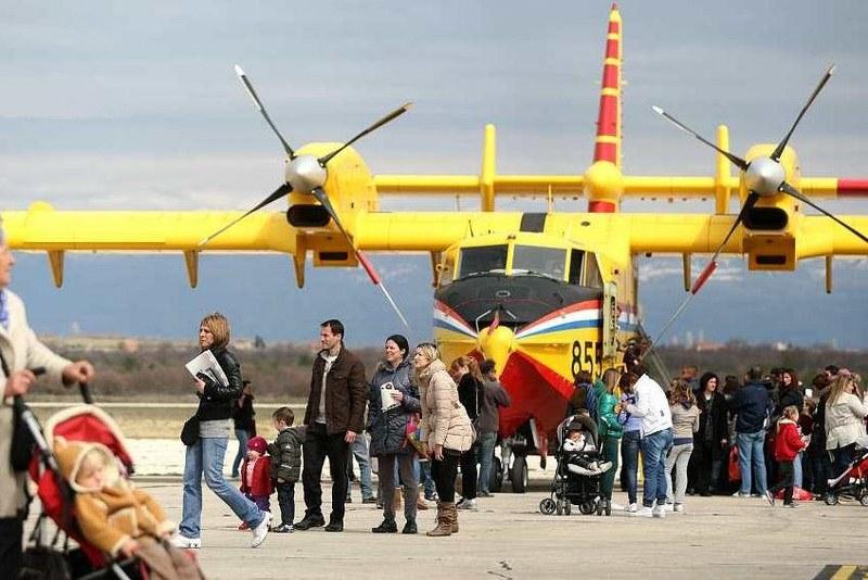Aerodrom Zemunik Zadar 2rwkc5x