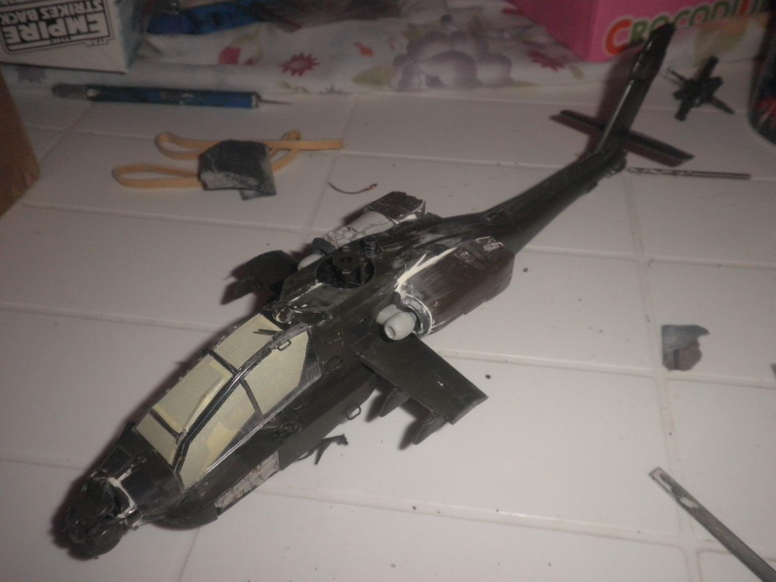 AH-64A+ APACHE Ε.Σ. 1/48  2u6pcer