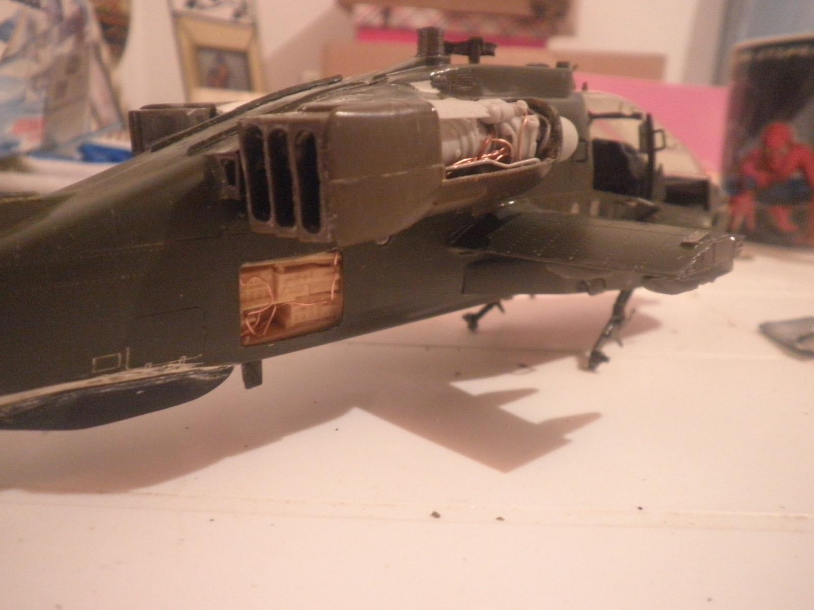 AH-64A+ APACHE Ε.Σ. 1/48  2uoh15d
