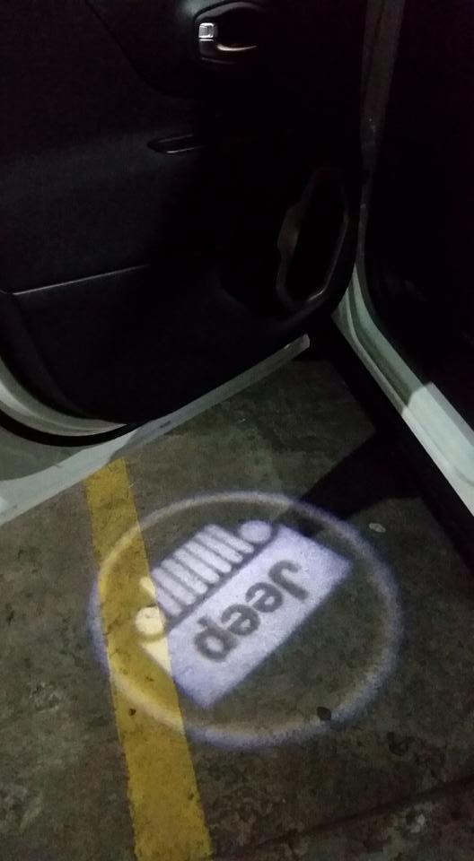 """Luz de cortesia com projetor led """" Logotipo """" 2uz84ee"""