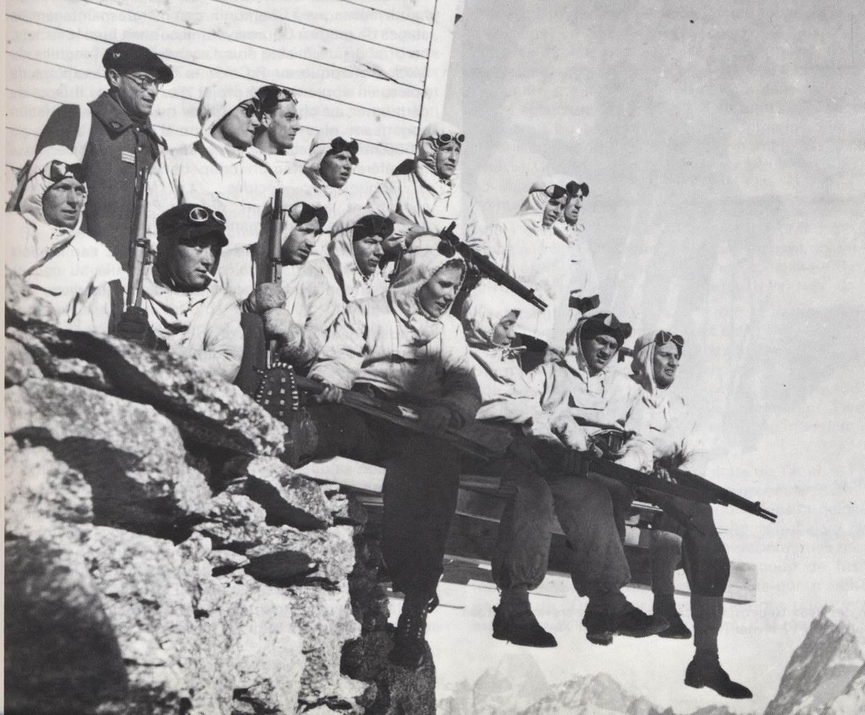 Armée des Alpes en 1945 : les armes 4rs18h