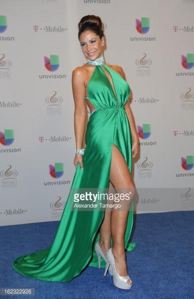 Lorena Rojas/ლორენა როხასი - Page 8 Hvb1va