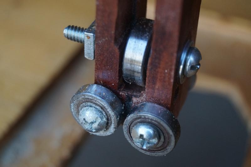 Montaje invertido de una sierra caladora Ivcw92