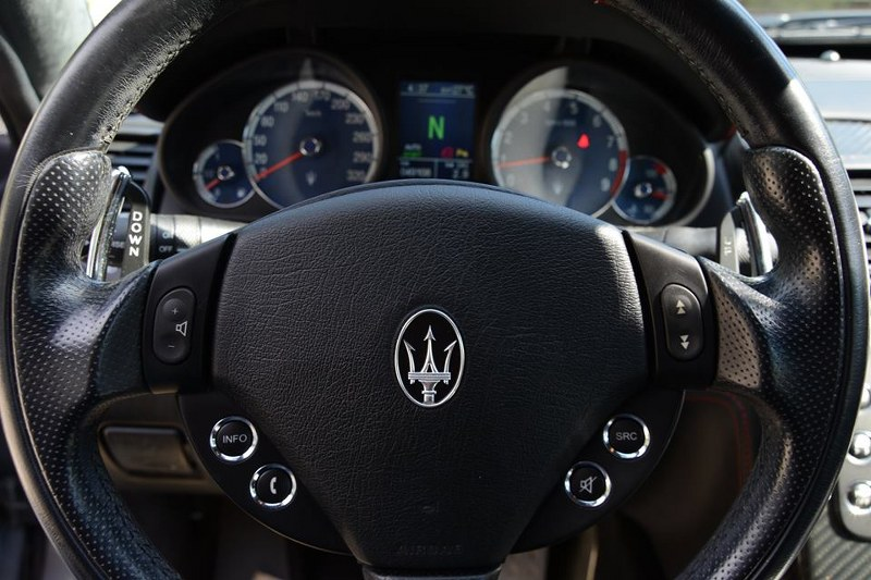 AUTO hm KUTAK M56k5