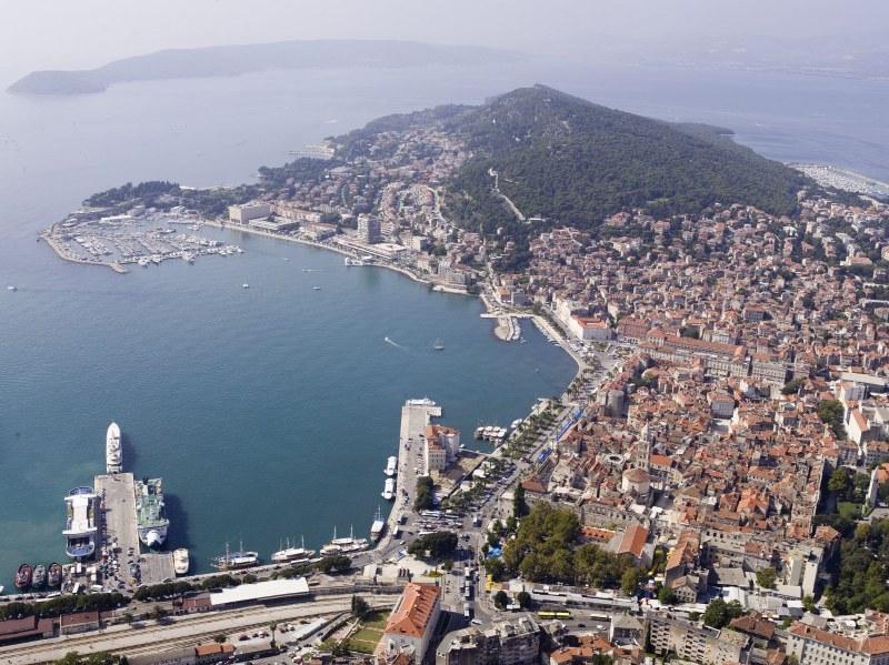 Komanda vojno - pomorske oblasti u Splitu - Page 3 N2efyf