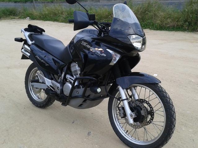 A minha preta (Transalp XL650) :D O0eb9u