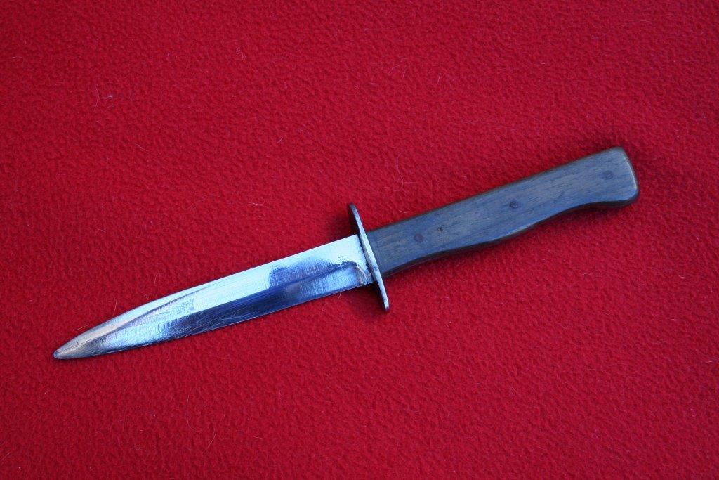 collection de lames de fabnatcyr (dague poignard couteau) Sfuu00