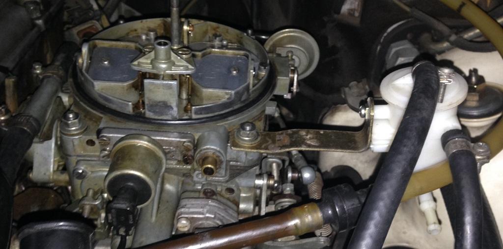 Substituição da válvula de retorno de combustível do carburador Solex/Pierburg 4A1 W7bdya