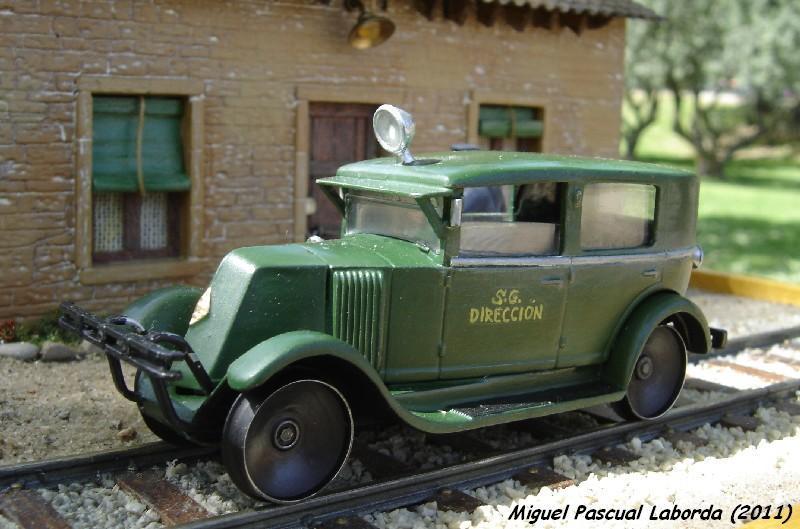 Dresines, tractors de maniobres, vehicles de via i obres i d'altres andròmines de via estreta. Wl9400