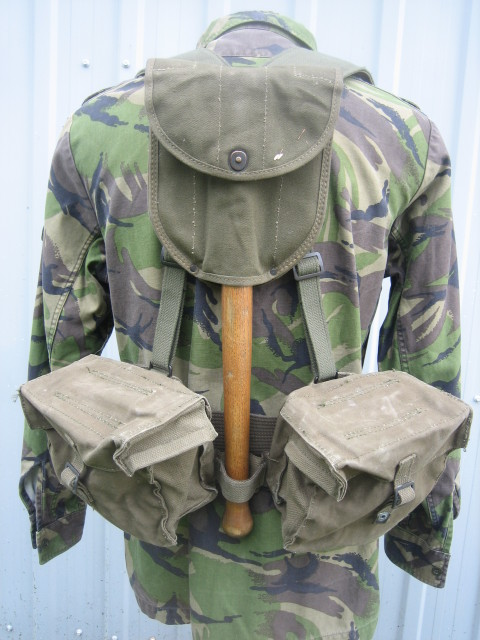 Korps Mariniers Webbing 103fvid