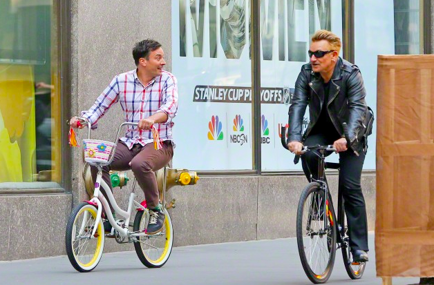 [UPDATE 09/05] U2 ospiti al Tonight Show di Jimmy Fallon 1hw5g7