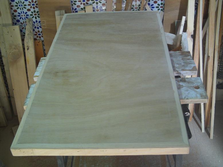 Una mesa plegable para la caseta de mi hijo... y una pequeña historia. 1tsh9u
