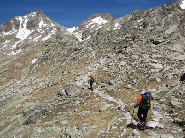 20120605 - CORREDOR ESTASEN AL ANETO (3.404 m) 1z145g7