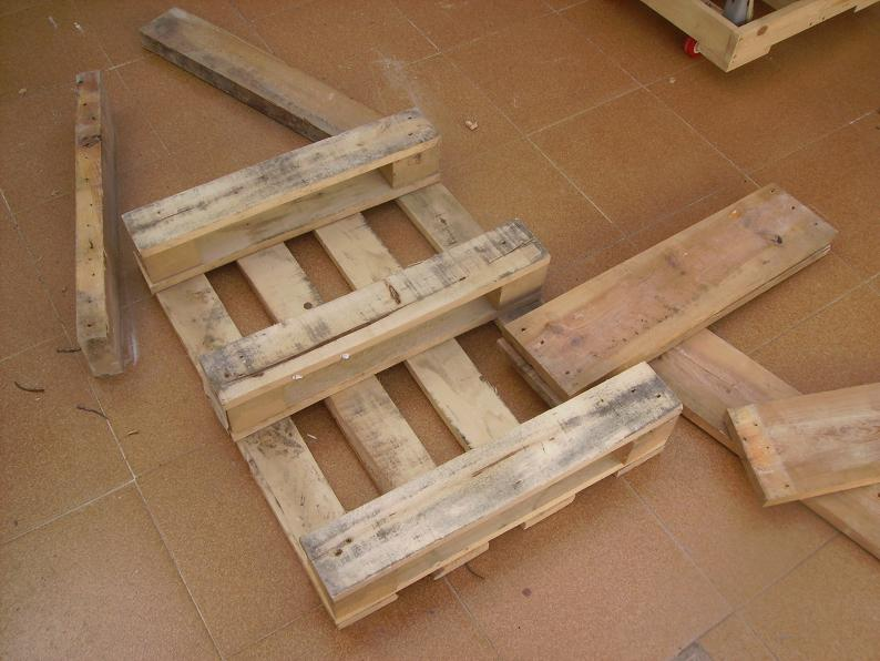 Una mesa plegable para la caseta de mi hijo... y una pequeña historia. 1z2ooqa