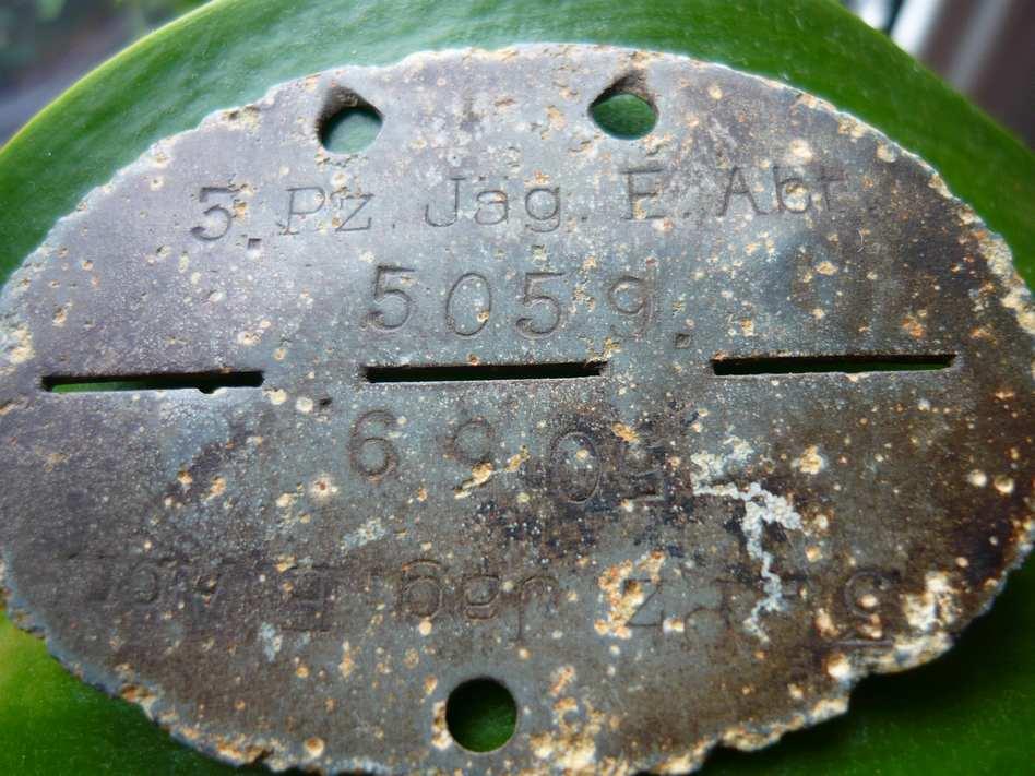 plaques matricules de la Waffen ss  1zw25fn