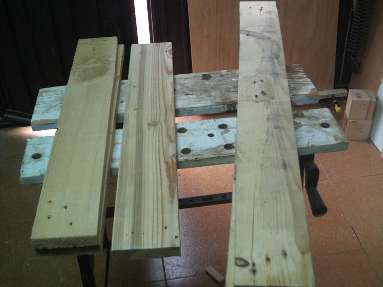 Una mesa plegable para la caseta de mi hijo... y una pequeña historia. 24gpnih