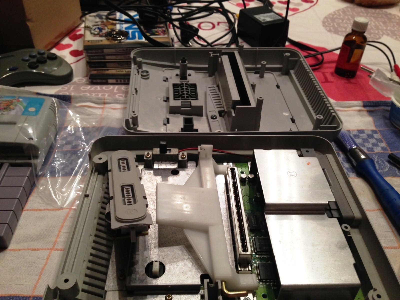 SNES - Super Nintendo en panne - plus d'image 2598hhw