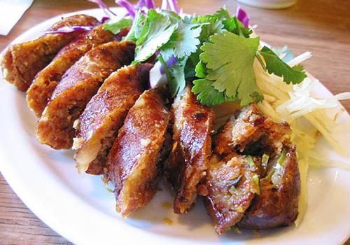 Fotos con precios de los diferentes platos y comidas tailandesas 260pve9