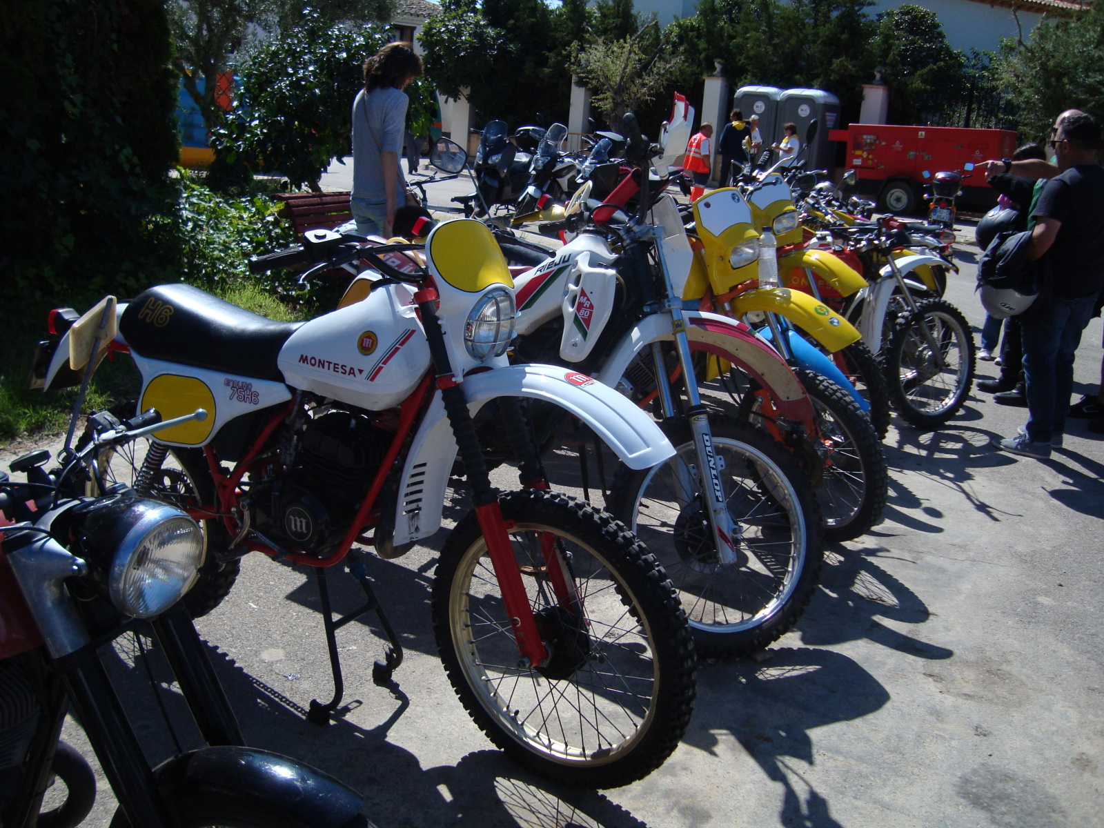 XI concentracion de motos antiguas en Alberuela de tubo (Huesca) 261iusk