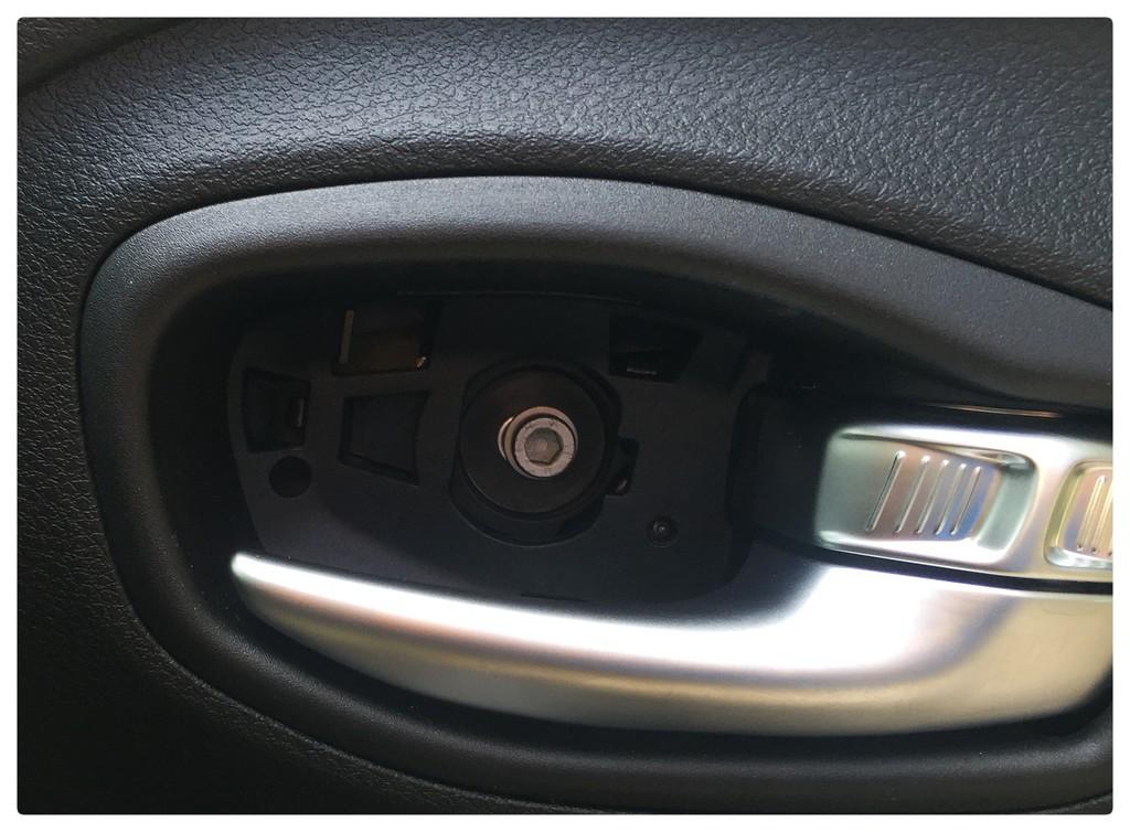 Tutorial - Remover painel das porta. 2dnq02