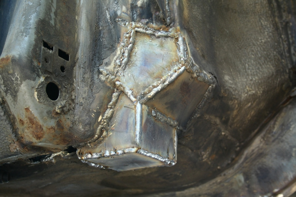 Börre: Bmw e28 Rebuilding // KalsongBlå Saab 2e1zywl