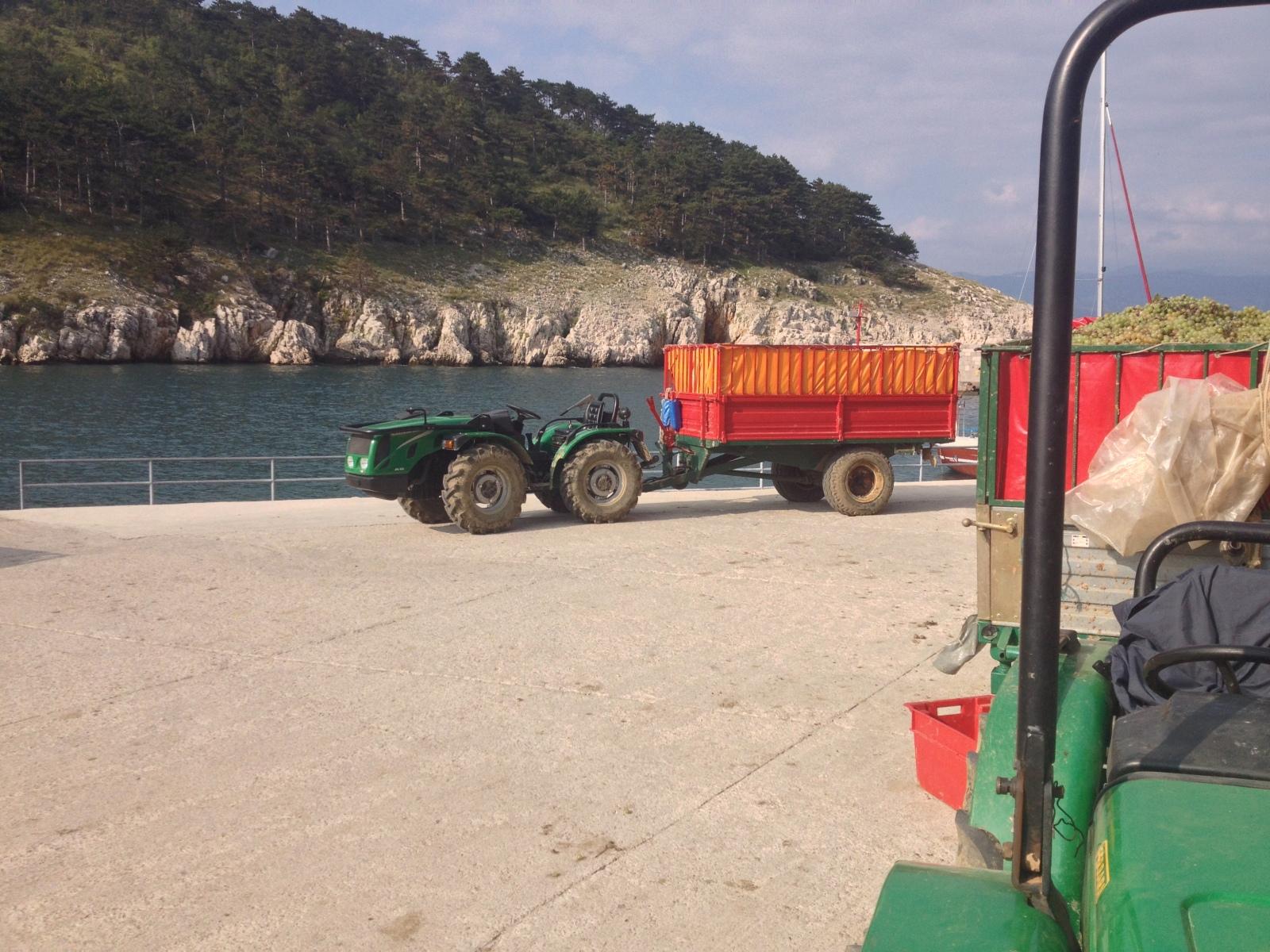 Traktori Ferrari opća tema traktora - Page 2 2e4xno9