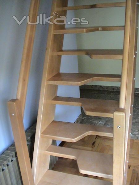 Ayuda: diseño de una escalera 2iw682h