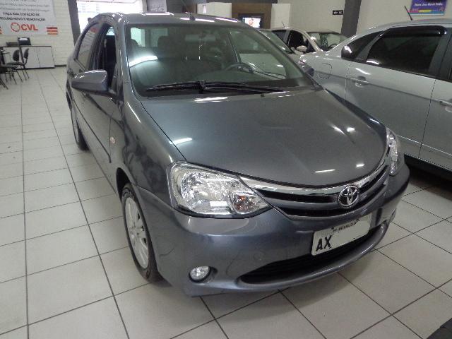 Vendo Toyota Etios Sedan XLS 2014 42-9978-7685 2m7udub