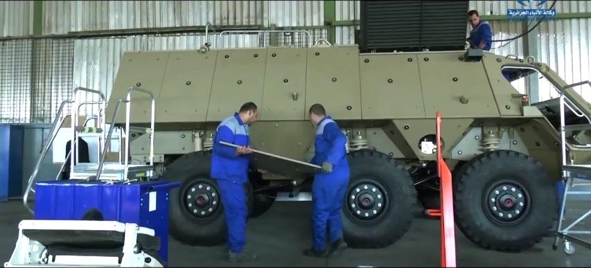 الصناعة العسكرية الجزائرية ... مدرعات ( فوكس 2 ) 2mwilb8