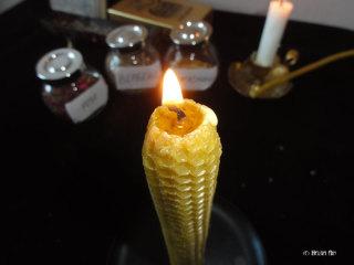 Мастер-класс по изготовлению магической свечи из вощины на желание. 2yxloib