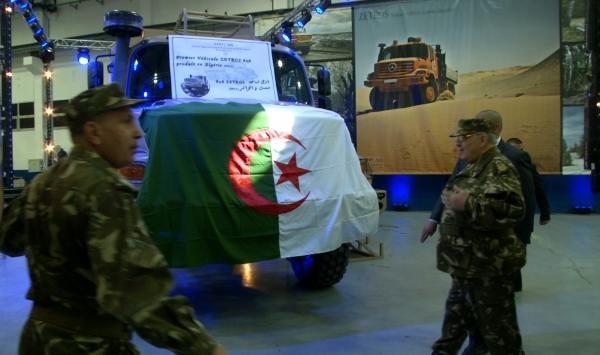 الصناعة العسكرية الجزائرية  علامة  ً مرسيدس بنز  ً - صفحة 3 2zfskfa