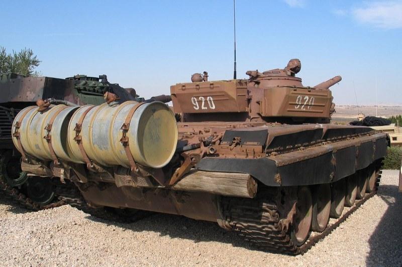 Tenk T-72 - Page 4 33ettmu
