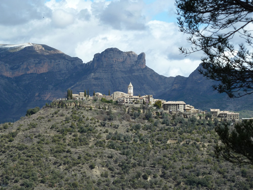 Benasque, paraiso del senderismo y las rutas en moto por el pirineo aragonés. 33lyrsp