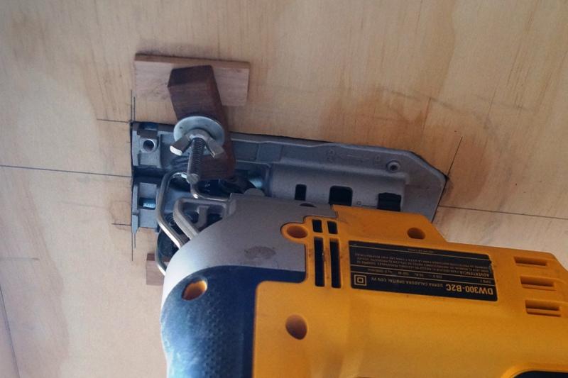 Montaje invertido de una sierra caladora 5aiaur