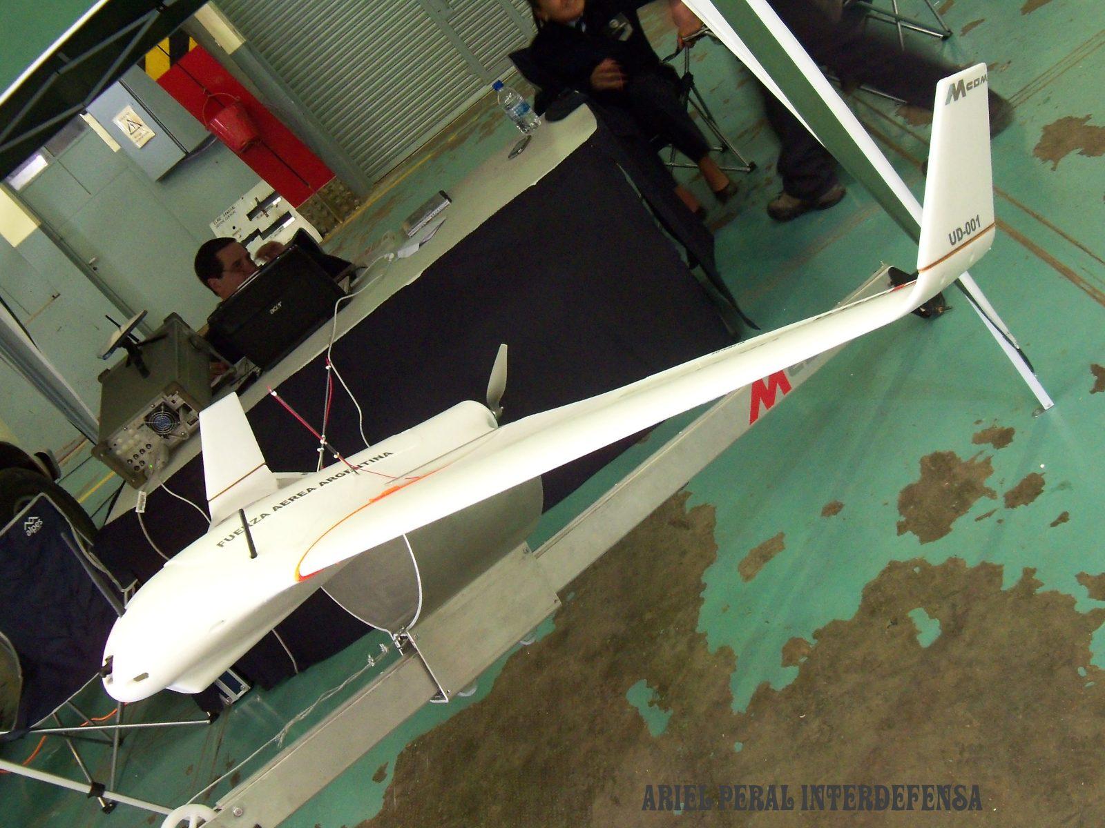 Fotos de la Fuerza Aérea Argentina - Página 3 5eagr5