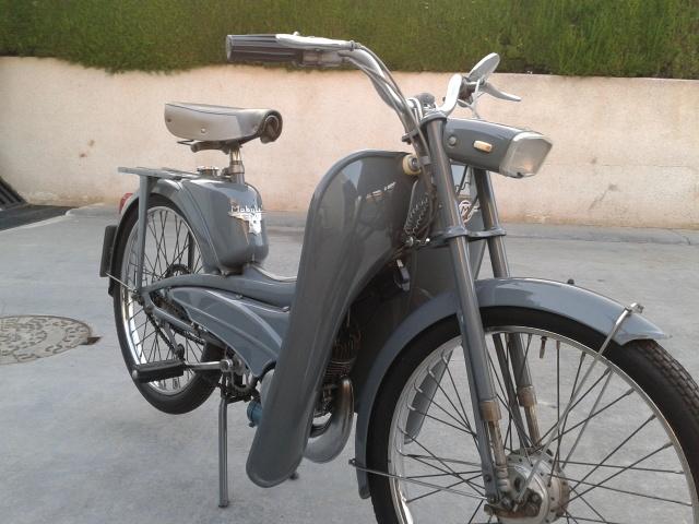 La Mobylette AV 44,por CIC. 5yvhjn